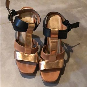 Elizabeth & James Strappy Sandals